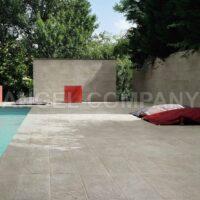 Gresie Caesar Ceramiche Roxstones White Quartz terasa exterioara